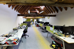 Stunning converted barn with exposed beams, offering open plan office space with the benefit of a private office or meeting room.
